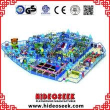 Gran parque de atracciones para niños de interior con trampolín