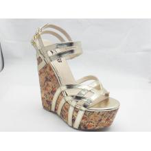 Nuevas sandalias de diseño Ladies Chunk (HCY03-042)