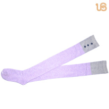 Kniehohe Damen-Socke mit Knopf