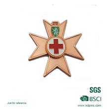Médaille plaquée cuivre en alliage de zinc avec logo croisé