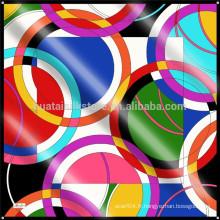 Écharpe design exclusif personnalisé et propre à écharpe en soie