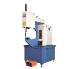 Einsteckmaschine (pneumatisch, hydraumatisch oder hydraulisch)
