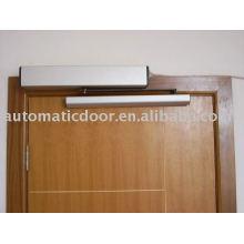 Puerta batiente automática compacta