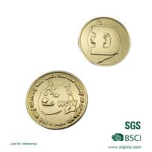 Moneda de oro personalizada del metal del diseño 2016 con la etiqueta engomada de epoxy
