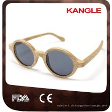 Graue Sonnenbrille mit Skibrillen und Skibrillen