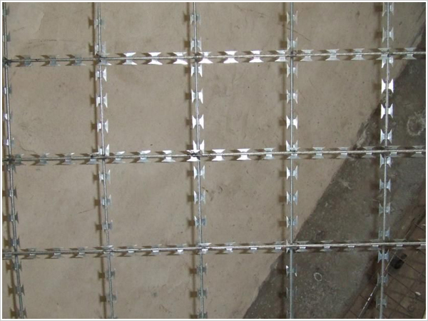Welded type Razor Wire