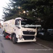 Camion de balayeuse de route de 4X2 HOWO / camion de balayeuse de route / balayeuse diesel / camion balayeur de route de vide
