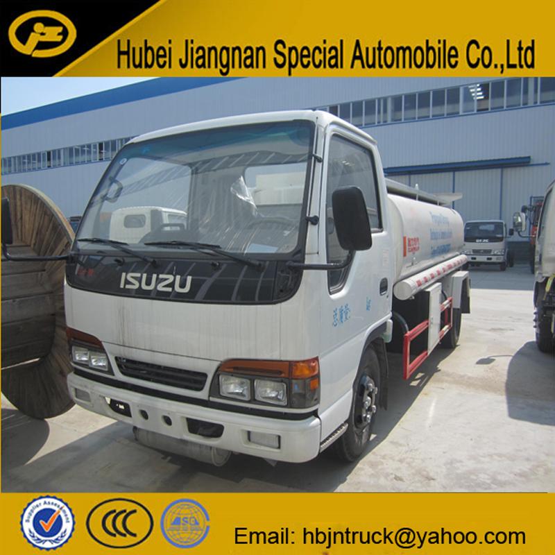 Isuzu Oil Tanker Truck