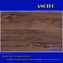 Plancher extérieur composé en plastique en bois en bois de WPC de meilleure qualité imperméable, plancher en bois plein, plancher en bois gris