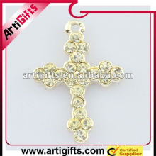 модное кристалл крест кулон