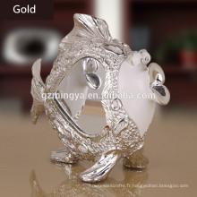 Cadeau d'affaires en gros embrassant les amants mignons de poissons présente des figurines animales en résine