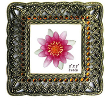 Square Shape Modelled After An Antique Photo Frame In 3x3inch