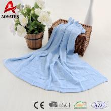 2018 nouveau design 100% coton plaine crochet bébé couverture en bleu