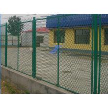 Забор из металлической проволочной сетки