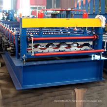 L'équipement de laminage de panneau de boîte de voiture de fret a galvanisé le panneau de voiture en tôle de toiture en métal faisant la machine de fendage de rouleau à vendre