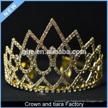 Reyes baratos del oro y corona de la reina para la venta