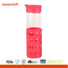 Großhandel 550ml Borosilikat klare Glasflasche mit Silikonhülle