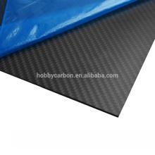 Fibre de carbone 400x500mm, feuilles de fibre de carbone d'armure de sergé de 2mm 3k pour des drones