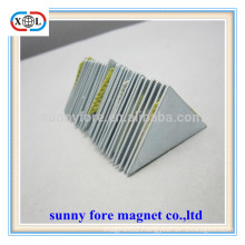 triangle shape industrial magnets with zinc coating