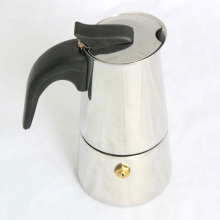 Чайник из нержавеющей стали с бакелитовой ручкой