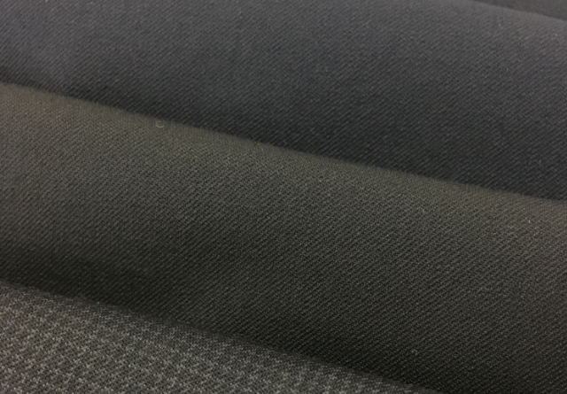 BLACK PLAIN COLOR WOVEN WORSTED FABRIC