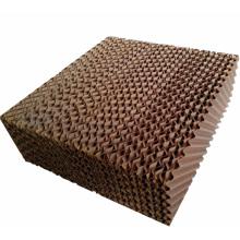 Almohadilla de enfriamiento evaporativo para equipos avícolas / Granja de ganado