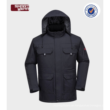Arbeitsschutzbekleidung mit Kapuze