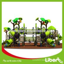 Équipement de terrain de jeux extérieur avec de grands toboggans pour enfants en bas âge