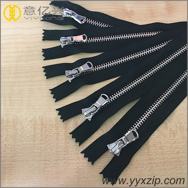 Two Point Teeth Metal Zipper