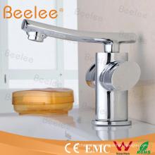 Grifo de cobre amarillo del mezclador del lavabo de dos manijas de lujo durable para el cuarto de baño