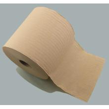 Rollos de toallas de mano grandes que se utilizan en los baños de las estaciones