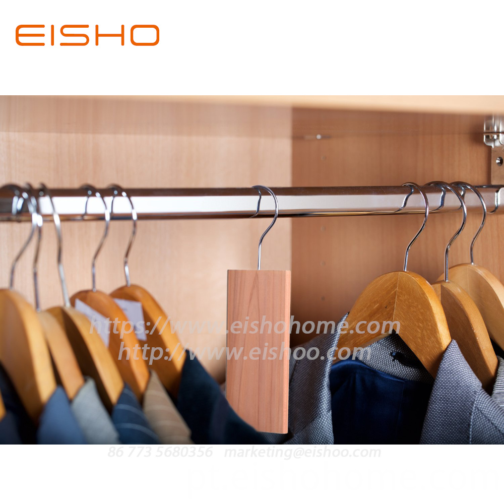 Natural Cedar Hang Up Hangers Eczd 3002 2