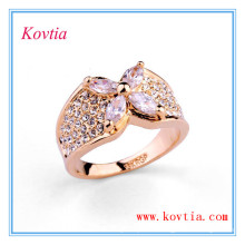 18k Gold überzogene breite Ringfrauen weißer Diamantverlobungsring