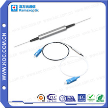 Isolateur de fibre optique pour connecteur personnalisé