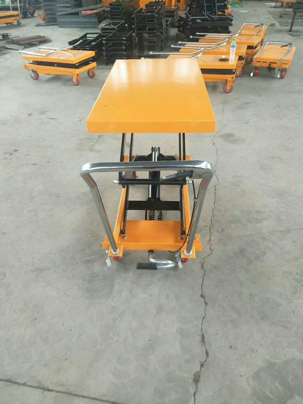 Manual Trolley Type 500kg Scissor Lift Table For Warehouse Cargo Loading
