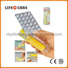 Plastic Puncher Pillbox Suitable for Home and Travel Use