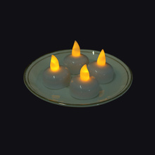 Flicker cahaya kuning / putih Led Floating Candle