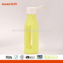 600ml botellas de leche de vidrio a medida a medida con manga de silicona y tapa de la manija