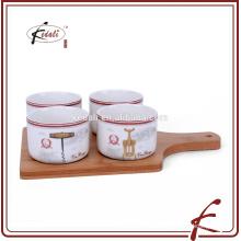 Keramikschalen mit Serviertablett