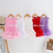 новая мода корейский стиль ребенка ползунки платье спагетти ремень и ремень romper младенца пустым с 3D цветок