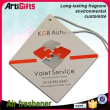 Refroidisseur d'air de voiture en gros pas cher papier suspendus carte de parfum de voiture