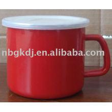 caneca de esmalte ou copo com tampa PP e aro SS