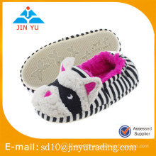 China wholesale factory price elegant winter warm wool indoor shoes zapato sandalia interior invierno