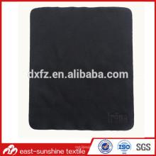 Logos fabriqués sur mesure en tissu de microfibres gaufrés et super doux
