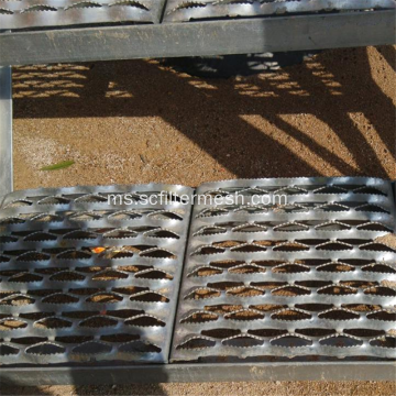 Galvanized Steel Anti-slip / Non-slip Perforated Metal Tread