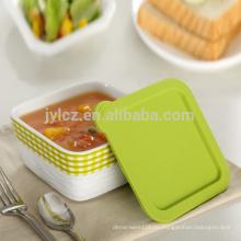 plato de cazuela cubierto con silicona y seguro para el horno