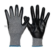 Cut 5 Hppe Knitted Cut Resistant Gloves with Smooth Nitrile Coating