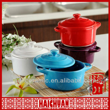 Ceramic casserole dish with lid, casserole with lid