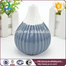 Chinesische billige Knoblauchform Keramik Vase mit Blume auf sie
