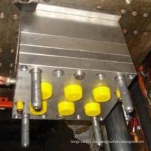 Moldeo por inyección de tapa de plástico de diferentes tamaños / Moldeo por inyección de botella de agua mineral